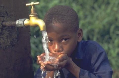 Nessun accesso a servizi igienici di base per un terzo del mondo (Donata Columbro)