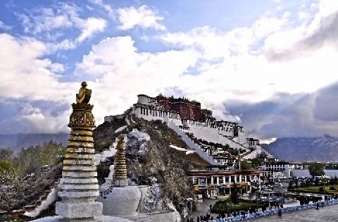Il buddismo tibetano. Pratiche quotidiane (Pierre Arènes)