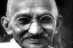 La nonviolenza, ieri e oggi (Piersandro Vanzan)