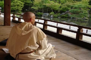 Esperienza tra buddisti e benedettini (Andrea Pacini)