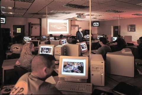 La comunicazione di massa: apertura globale o oppressione planetaria? (Enrico Chiavacci)