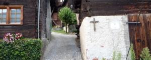 La benedizione delle case: Perché i preti non la fanno più?