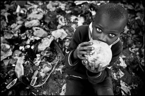 Come la povertà sfida l'annuncio della fede (Gustavo Gutiérrez)