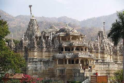 I templi Gianisti del Rajasthan (Virginio Nava)