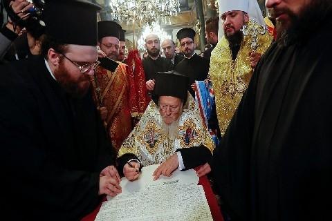 Il nodo ucraino tra Mosca e Costantinopoli (Vladimir Zelinskij)