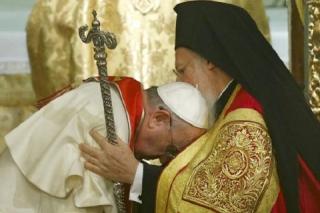 L'immagine di quell'incontro. Il papa e il patriarca a Istanbul (Vladimir Zelinskij)